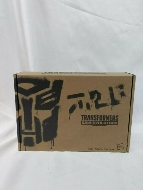 Transformers Generation Selects War for Cybertron Deluxe Class Smokescreen