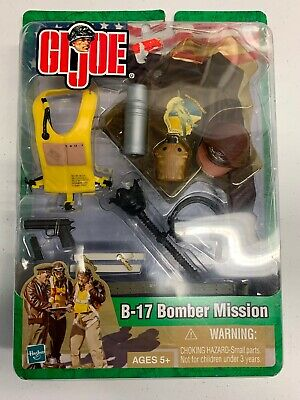 """NEW 2003 Hasbro GI JOE Accessories B-17 BOMBER MISSION PACK FOR 12/"""" FIGURES"""