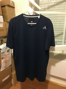 tee shirt adidas bleu navy homme taille L comme neuf