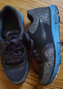 Hardly Worn Nike Shoes Nike Lunarlon Safari Womans Shoes Dynamic Support Sz 6.5