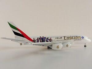 Emirates-Airbus-A380-800-Paris-St-Germain-1-500-Herpa-529440-A-380-A380-A6-EOT