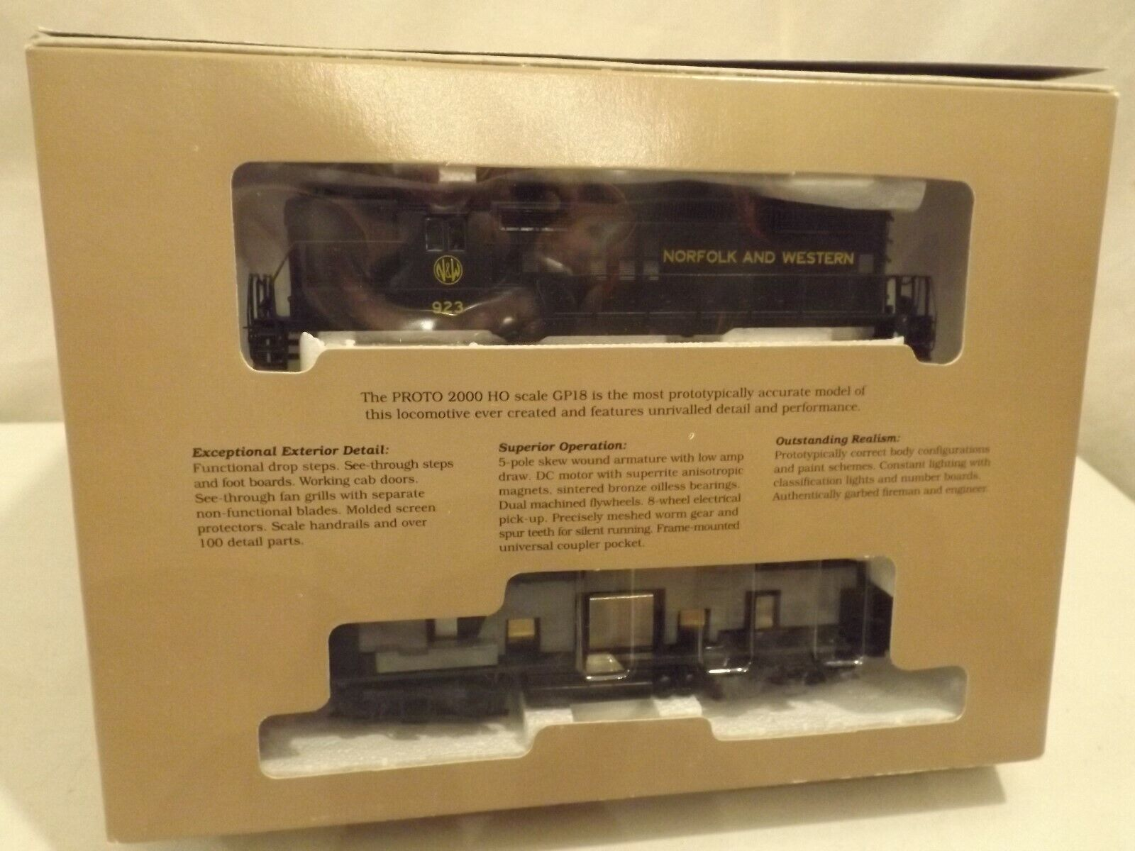 HO Predo 2000 Norfolk & Western GP18 diesel engine in original box
