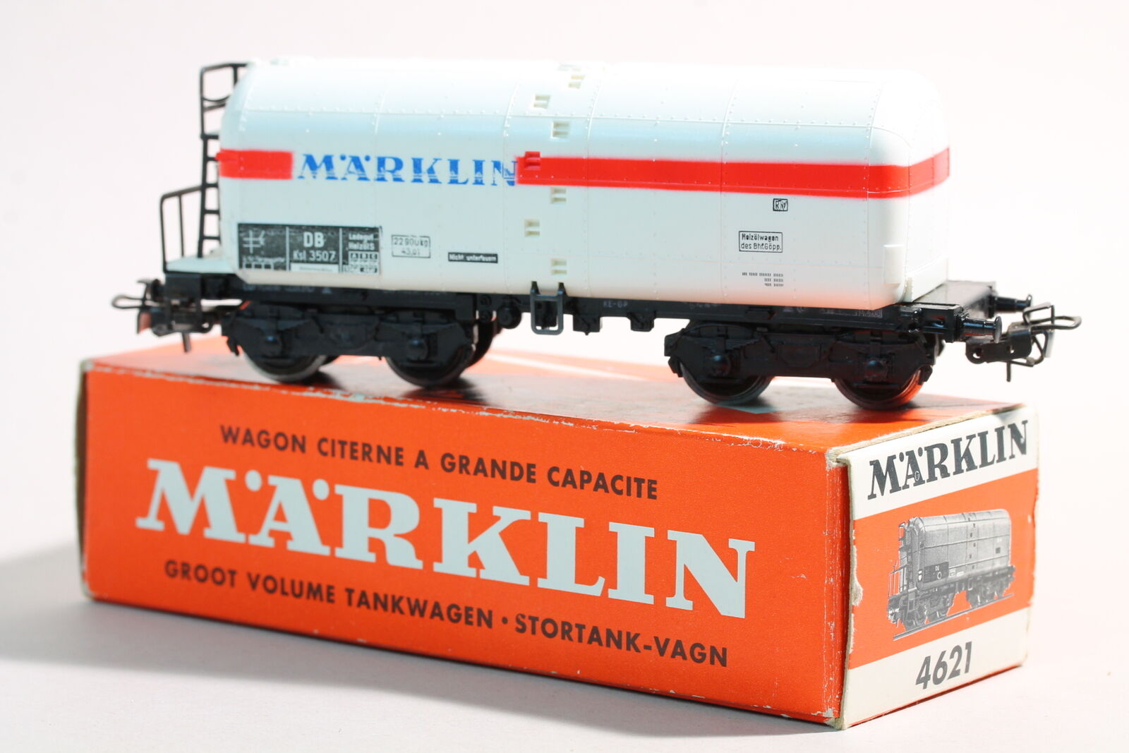 4621 Large Space Tank Wagons of Märklin-White Boiler