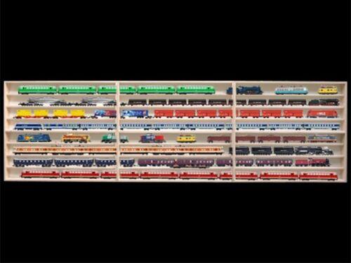 3E41ALRM 2,10 m 8-Fach HO Vitrine für Regal mit Nuten für Spur H0