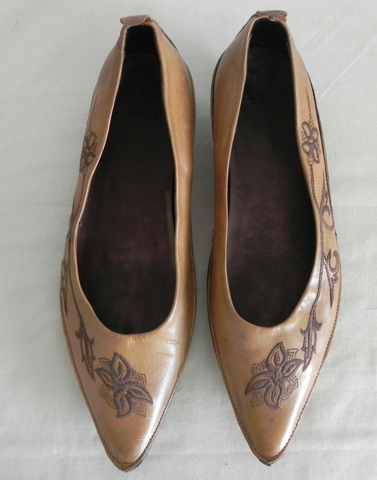 YIN Slip On  Pointy Leather Brown Embroidery Trim Made in  Size 38(US 7.5)