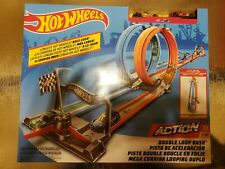 Double Loop Dash Race Track Set 1 Track Set and 2 Vehicles Hot Wheels Action
