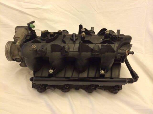 Z925 Fuel Rail Kit & Crossover -8AN 5.3 6.0 Chevy Silverado Tahoe RED LM7 LQ4,9