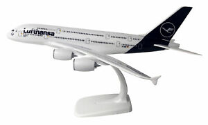 Lufthansa-Airbus-A380-800-1-250-Limox-Wings-LWE250DLH002-A380-FlugzeugModell