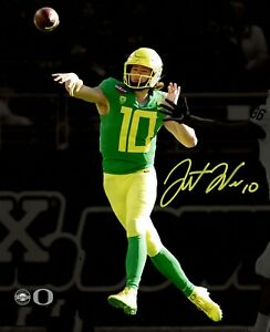 Justin Herbert Autographed Signed 8x10 Photo ( Chargers ) REPRINT ,