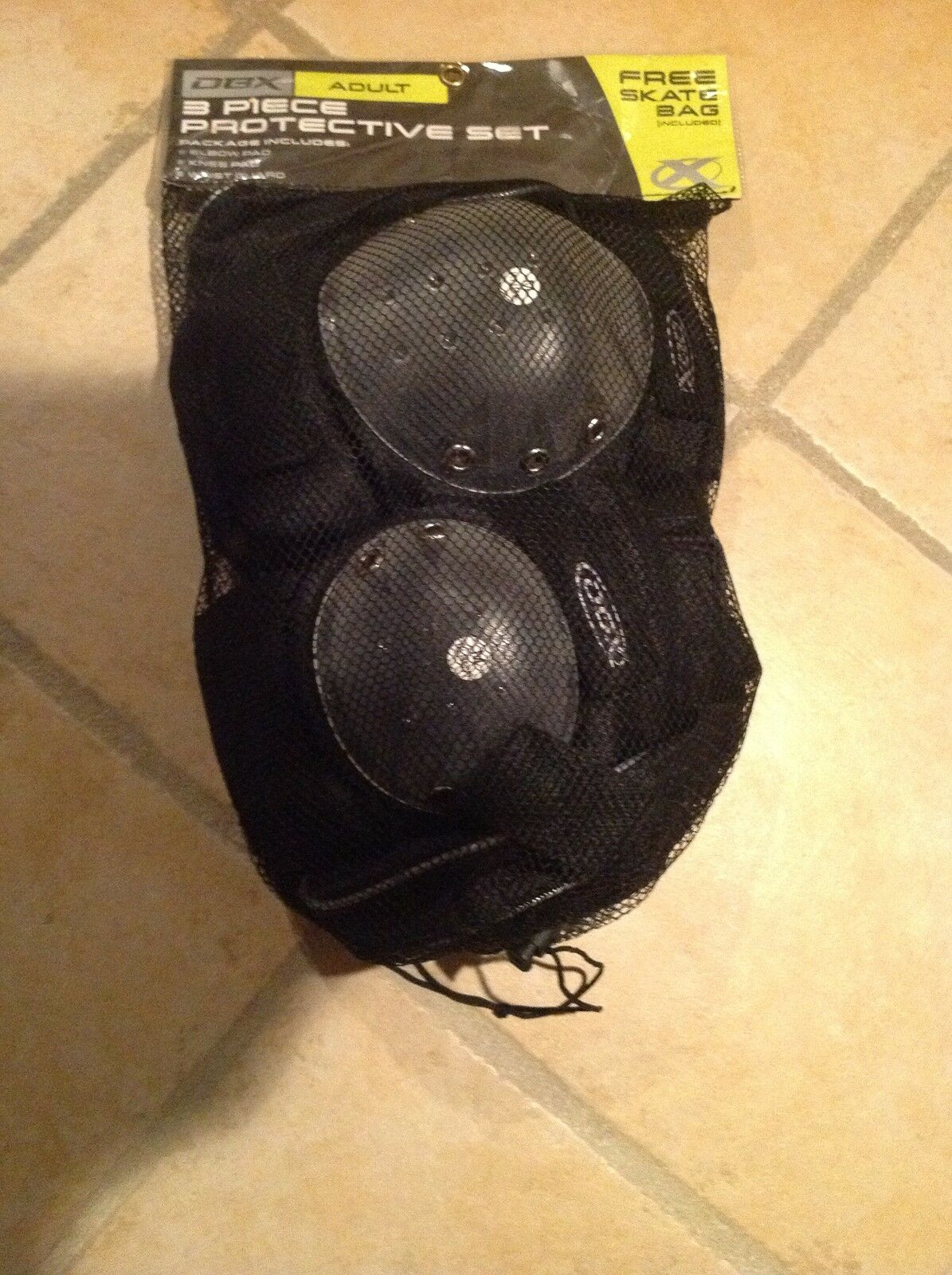 Brand New DBX Adult (Medium Size) 3 Pieces Skating Predective Set With Free Bag