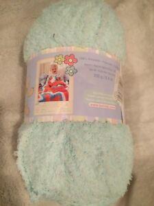 Bernat-pipsqueak-yarn-250g-8-8-Oz-Choose-Color