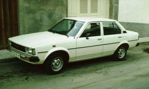 Toyota Corolla E70 KE70 TE71 KE75 TE72 inner door seal rubber Pair