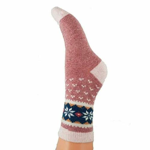 Women/'s Wool Blend Nordic Knit Flower Patterns Available in Two Colours Size 4-7