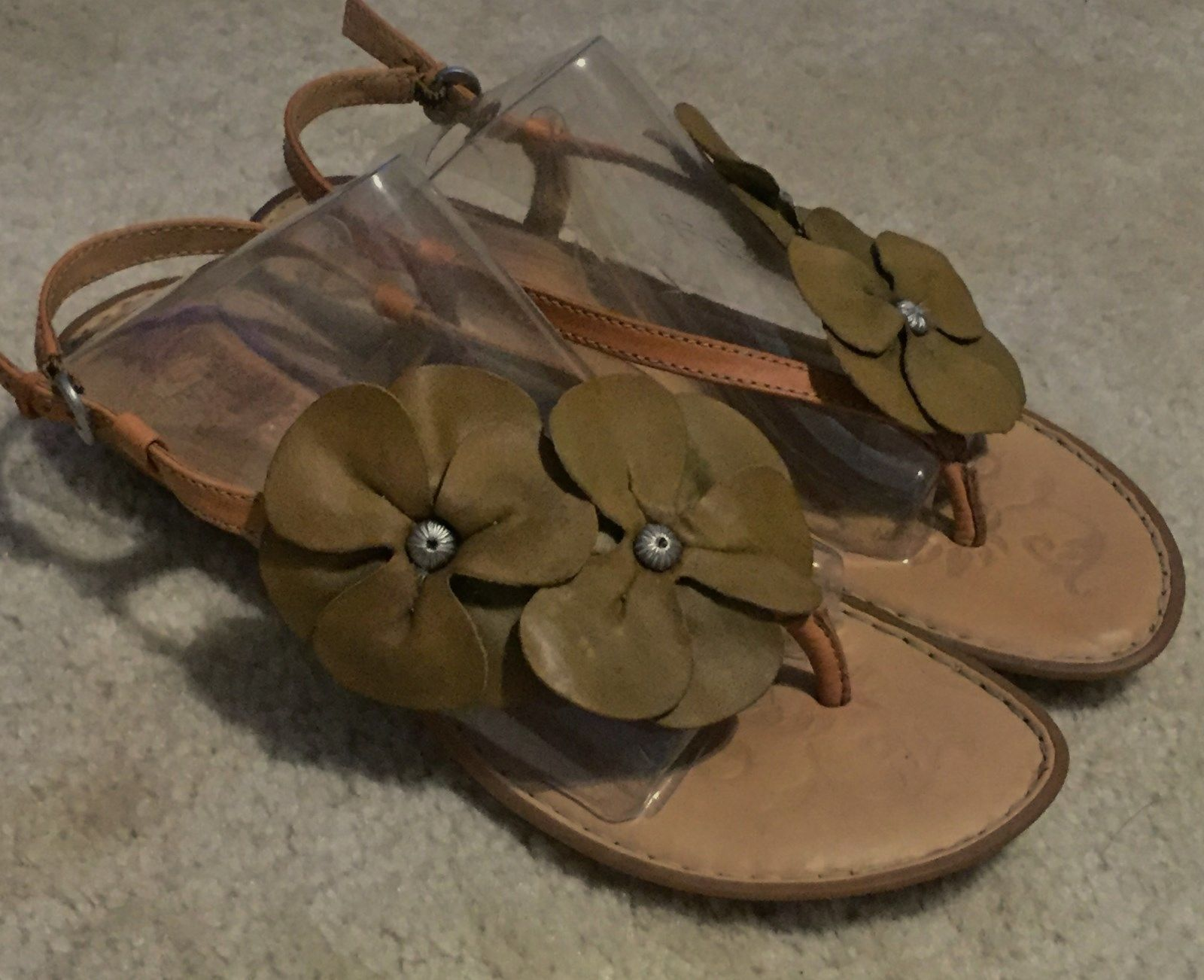 Women's Born Thong  Leather Flower Tan Sandals  Thong  Sz. 8 M 93e0a5