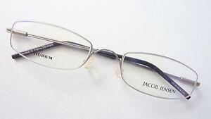 Fassung-Titan-Unisex-Lese-Brille-schmal-ohne-Nickel-Federbuegel-silber-Groesse-M