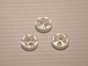 25-schicke-kleine-Knoepfe-naturweiss-11mm