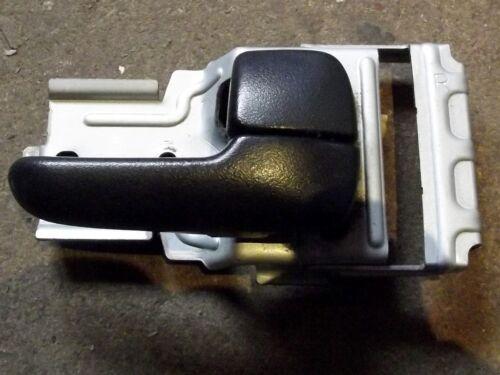 MAZDA MX-5 MK2.5 noir interne r // h MX5 Poignée de porte main droite à l/'intérieur utilisé