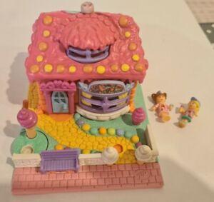 Vintage Polly Pocket BlueBird 1995 Strawberry Ice Cream Parlour Shop *COMPLETE*