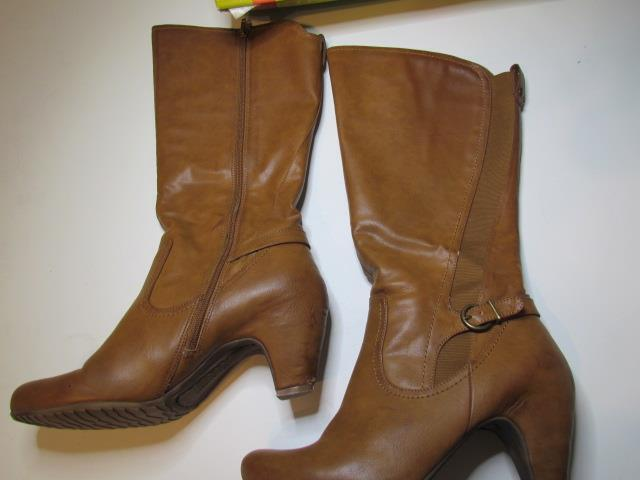 Bare Traps Brown Knee High Boots 10 M Zipper Side