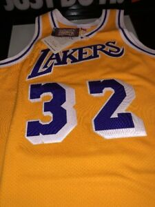 39e42b415d6 Image is loading MITCHELL-amp-NESS-AUTHENTIC-LOS-ANGELES-LAKERS-MAGIC-