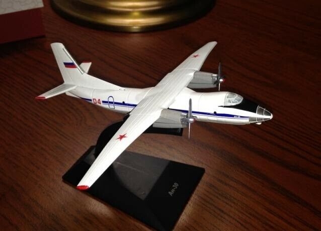 1 200 Antonov AN-30 Soviet Aerial Cartography Aircraft model Die cast 109 DeA
