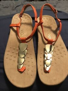 e14aad5801a0 VIONIC Women s Miami T-Strap Thong Sandal Orange Gold 7 NEW