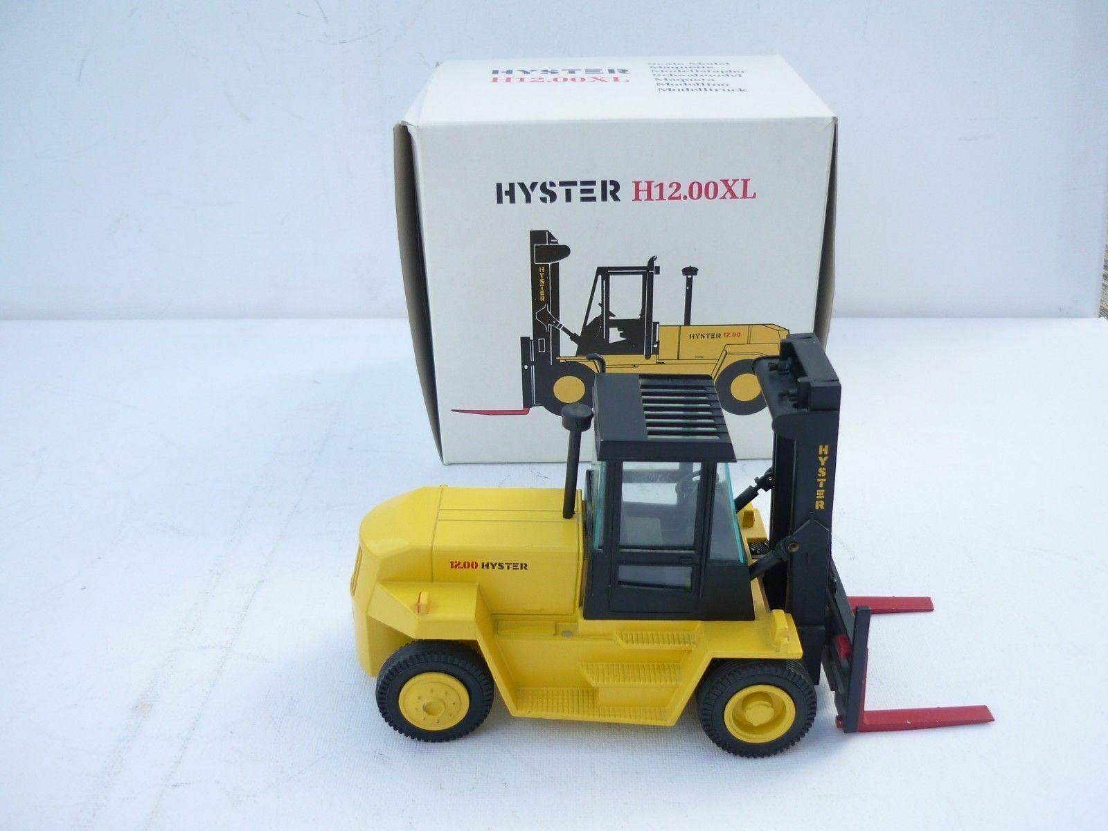 1 30 NZG Hyster H12.00XL Stapler 362 DEALER OVP BOX RARE