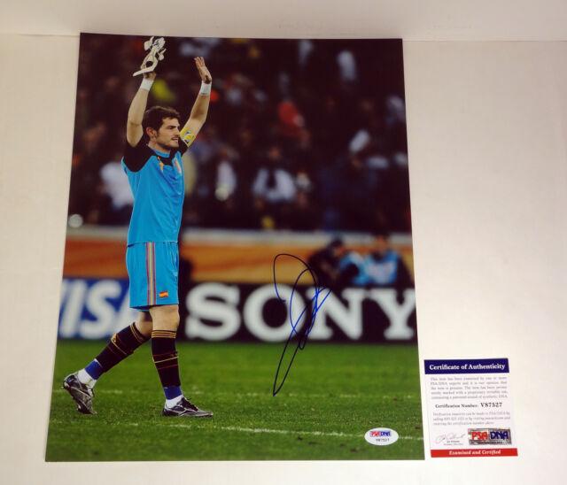 IKER CASILLAS 2014 SPAIN WORLD CUP SIGNED AUTOGRAPH 11X14 PHOTO PSA/DNA COA #4