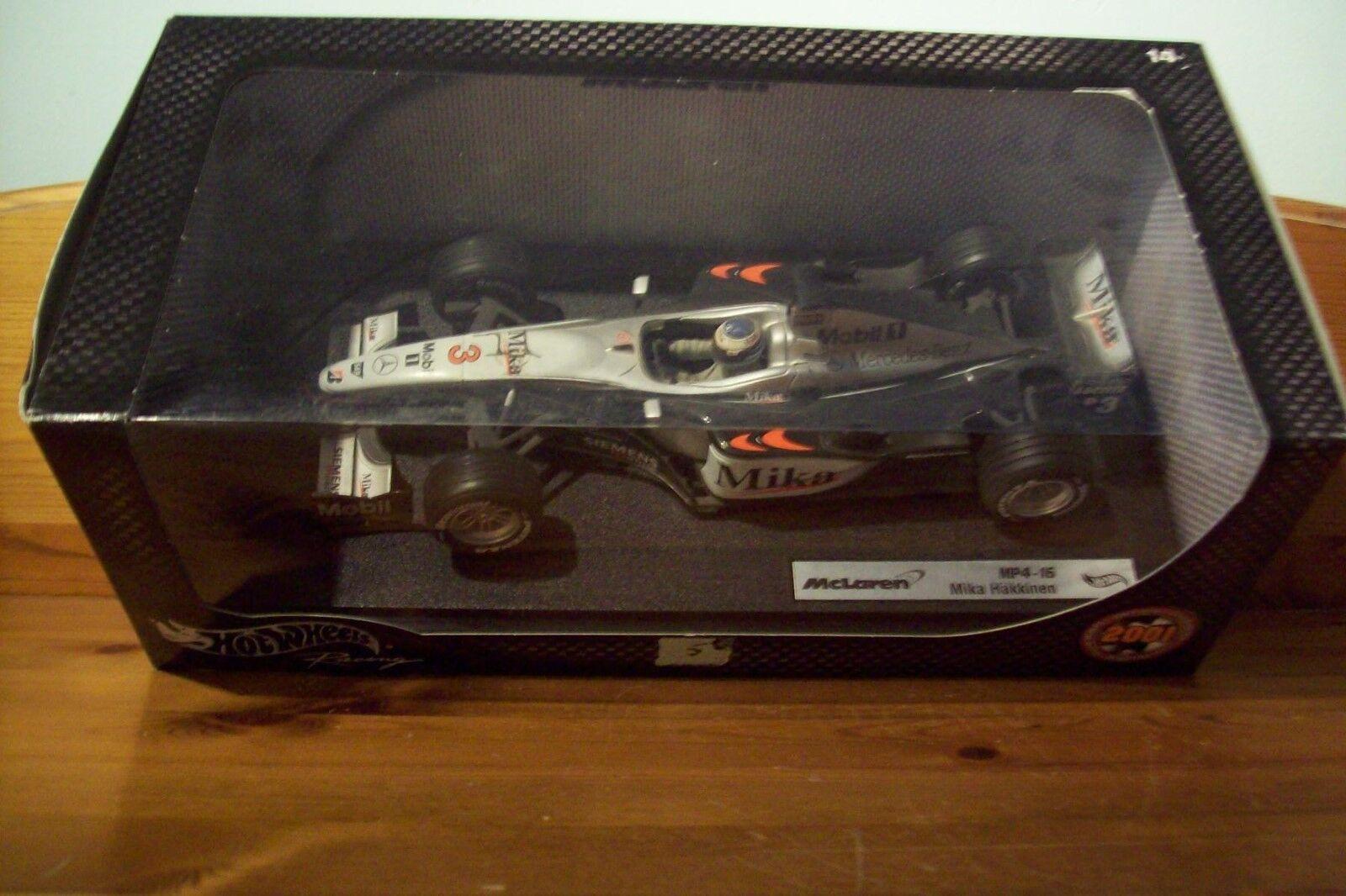 1 18 Hot Wheels McLaren Mercedes MP4 MP4 MP4 16 Mika obligaba 2001 versión de lanzamiento a04016