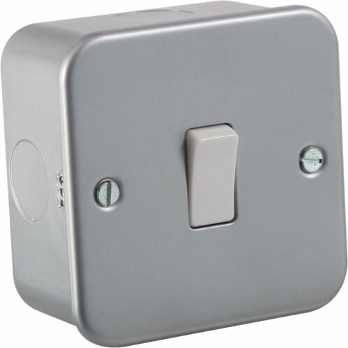 10A 1G Intermediate 230V Metal Clad Switch Ideal For Domestic and Business