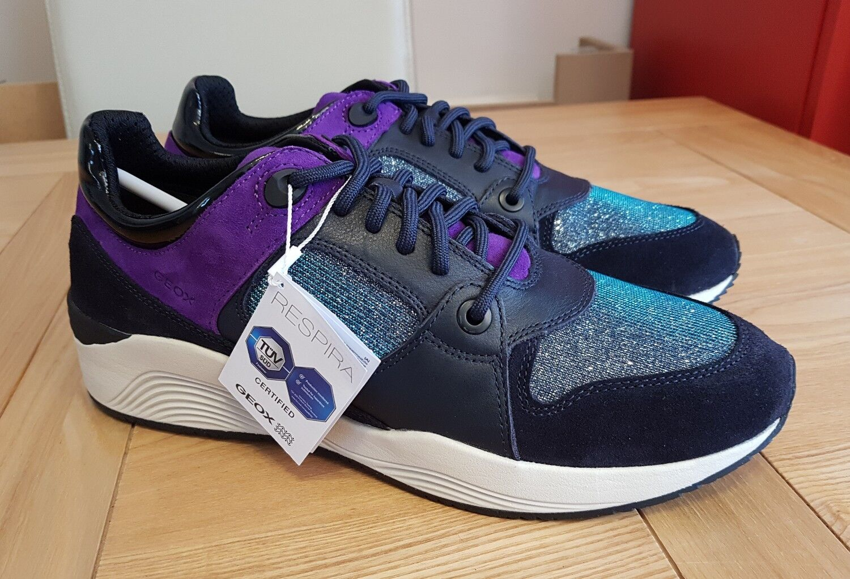 Geox respira Omaya un para mujer azul marino/púrpura brillo Gamuza Low Top de Superdry