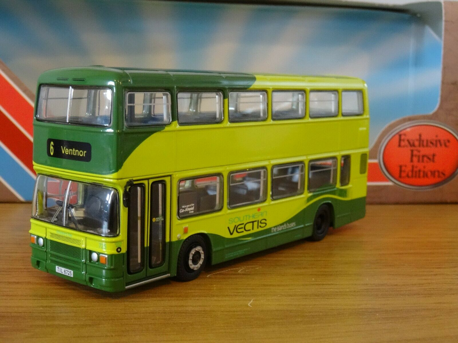 EFE SOUTHERN VECTIS IOW  LEYLAND OLYMPIAN ECW BUS MODEL 29617 1 76  sports chauds