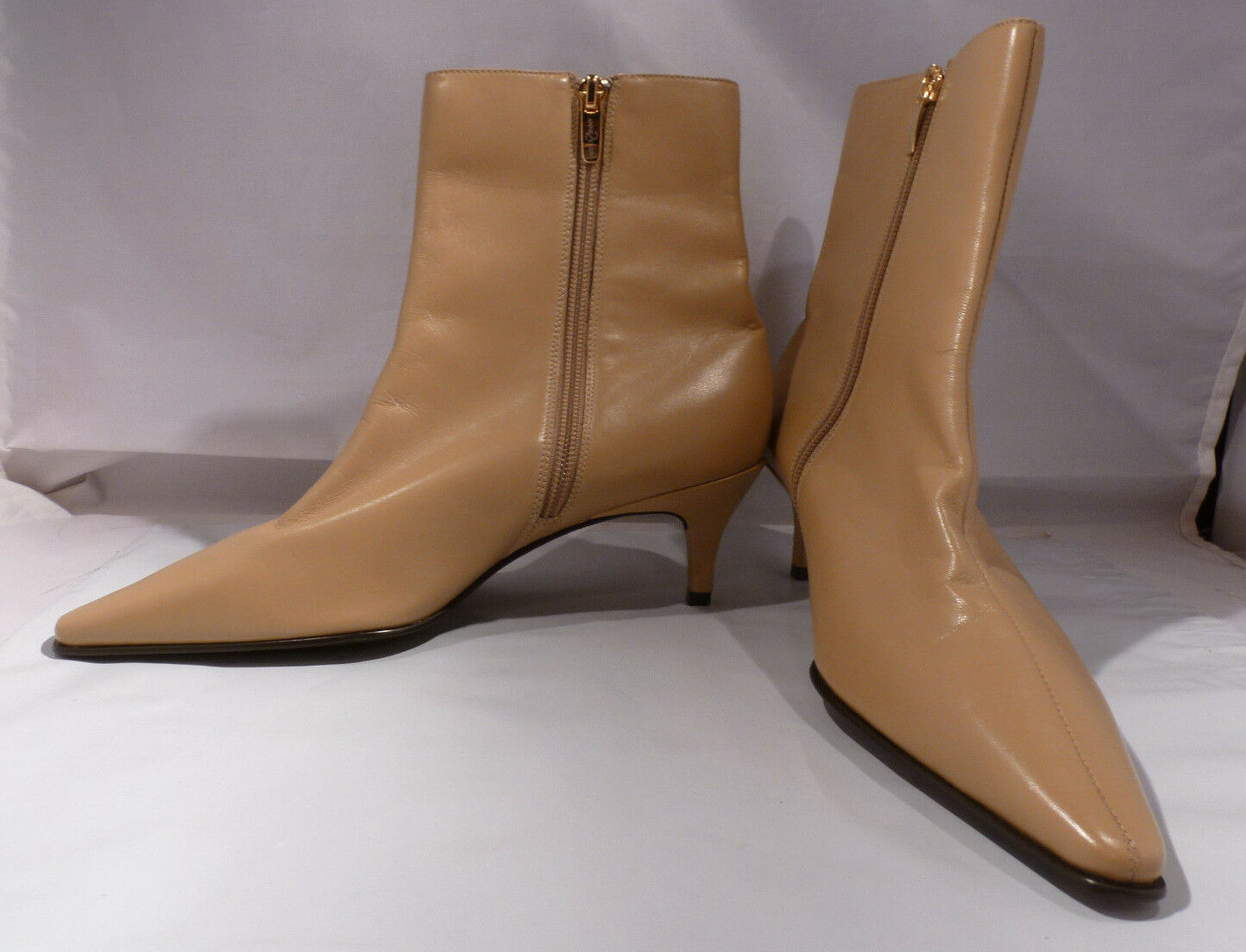 New Anne Klein 2 Taupe Leather Ankle Boot Size 7 1/2 M Low Heel