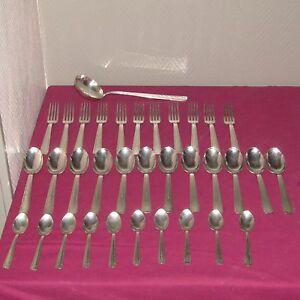Partie-de-menagere-34-pieces-art-deco-orfevrerie-LE-MONDIALE-metal-argente