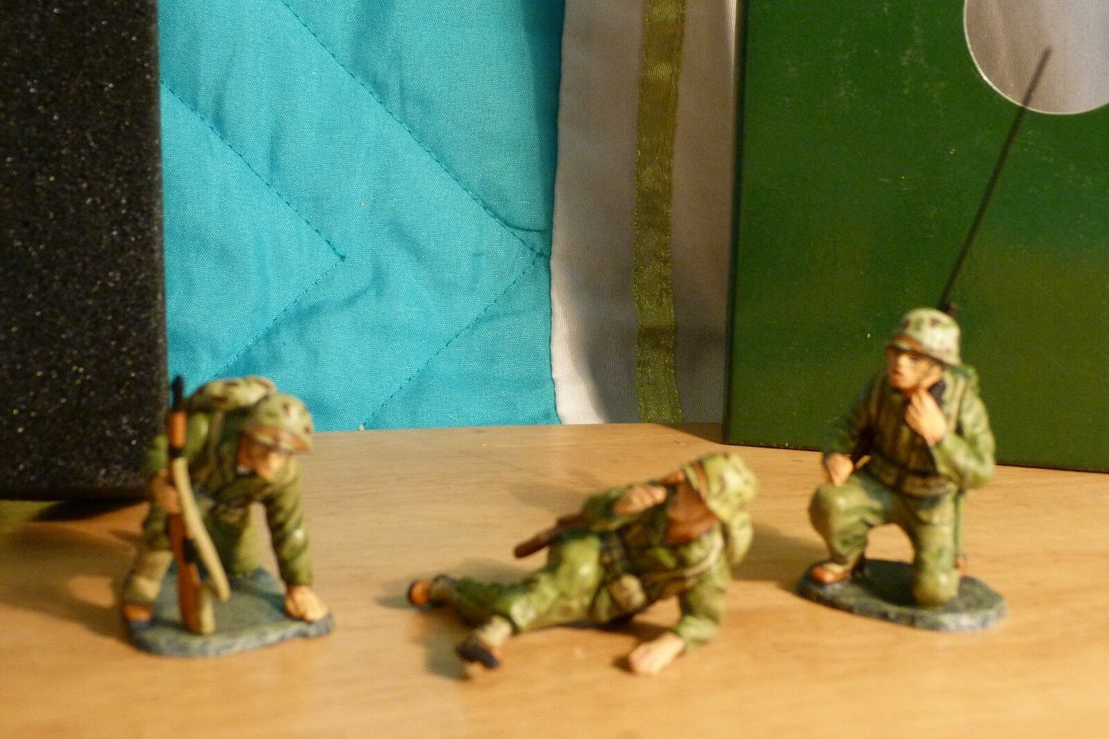 KING & COUNTRY COUNTRY IWO JIMA IWJ03 CALLING UP REINFORCEMENTS with Medal IWJ003