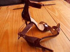 BNWT Talla 4 Oscuro Borgoña patente y Correa en el Tobillo Zapatos Stiletto Tacón Alto Efecto