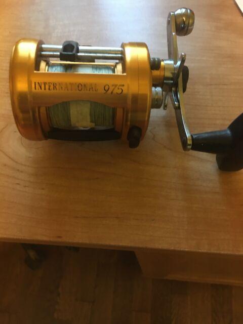 1 NOS Penn International 975 CS CSLD LD FISHING REEL Screw// Stud 34-975