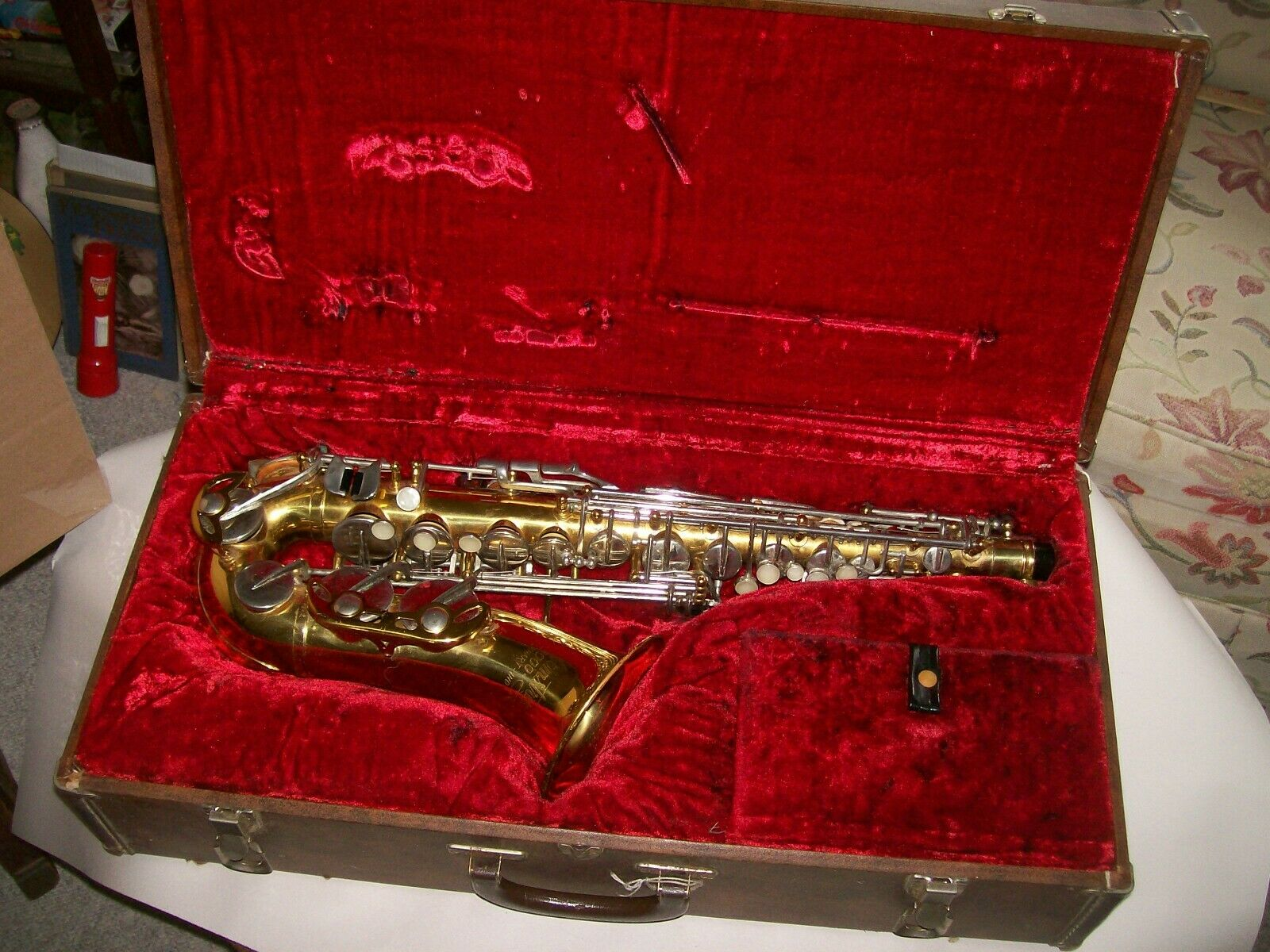 Armstrong 3000 Saxophone with case serial 4247 Vintage
