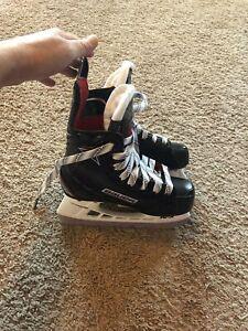 EUC-Bauer-Vapor-X500-Junior-Ice-Hockey-Skates-Sz-11-5-D-Worn-Twice