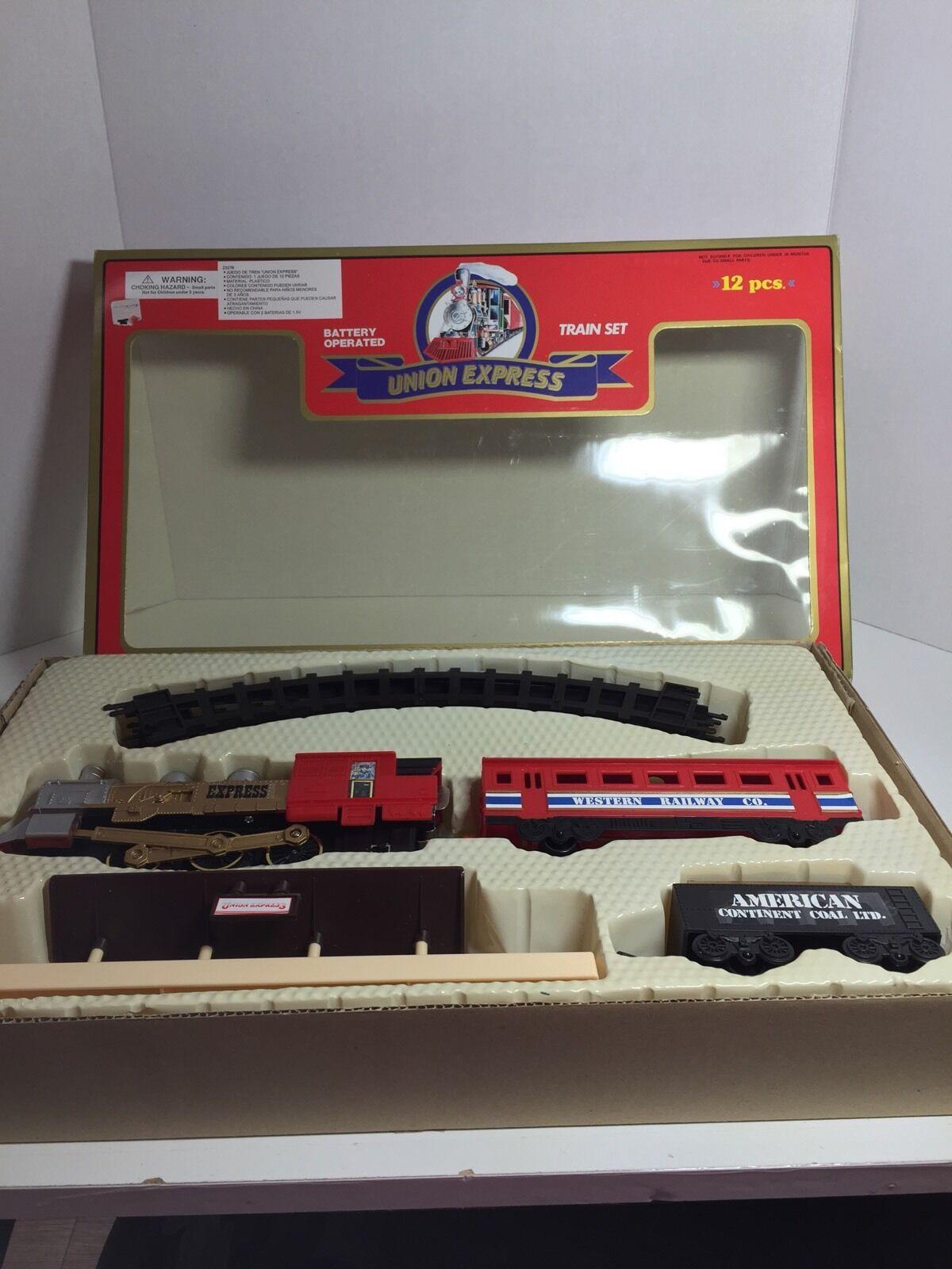 Moonbo Union  Express Battery Operated Train Set 12 Pcs TT091416  con il prezzo economico per ottenere la migliore marca