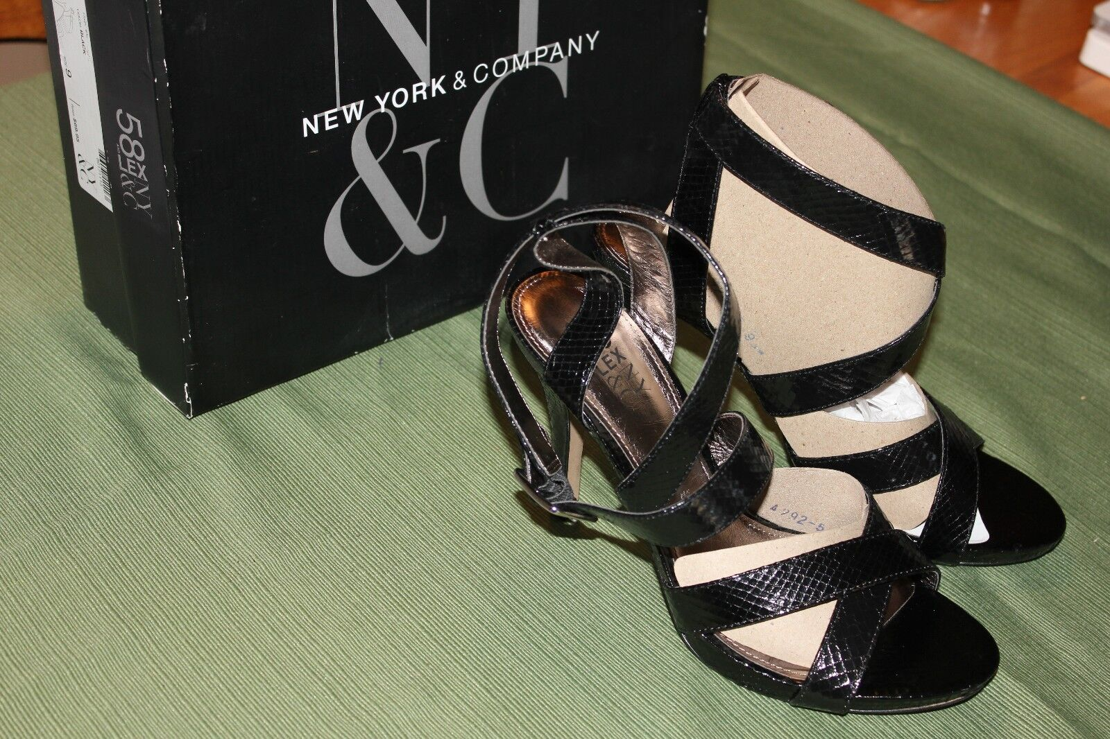 NEW YORK & CO BLACK STRAPPY SNAKE SKIN LOOK STILETTO NIB HEELS WOMEN'S SZ 9 NIB STILETTO 06e376