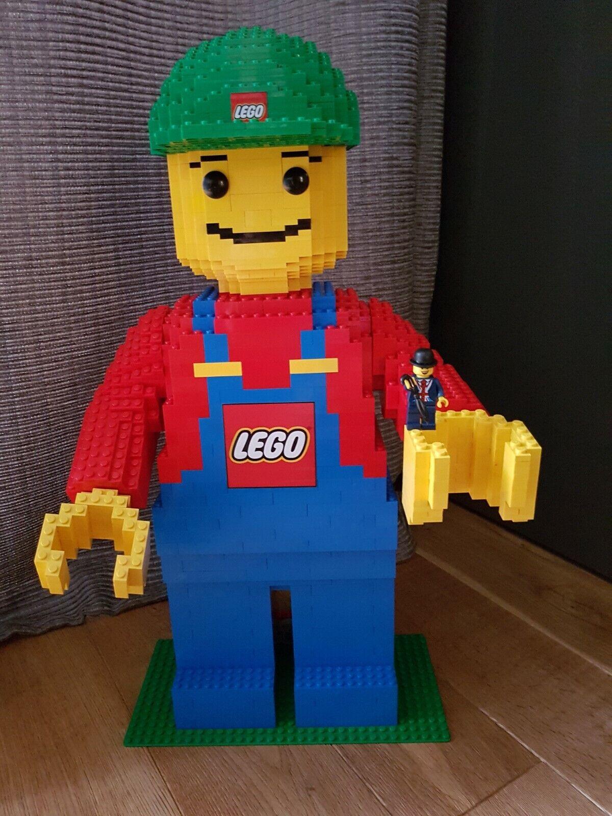 LEGO Sculptures GIANT Minifigur - 3723 - rödo att bygga - Nu med pinnar