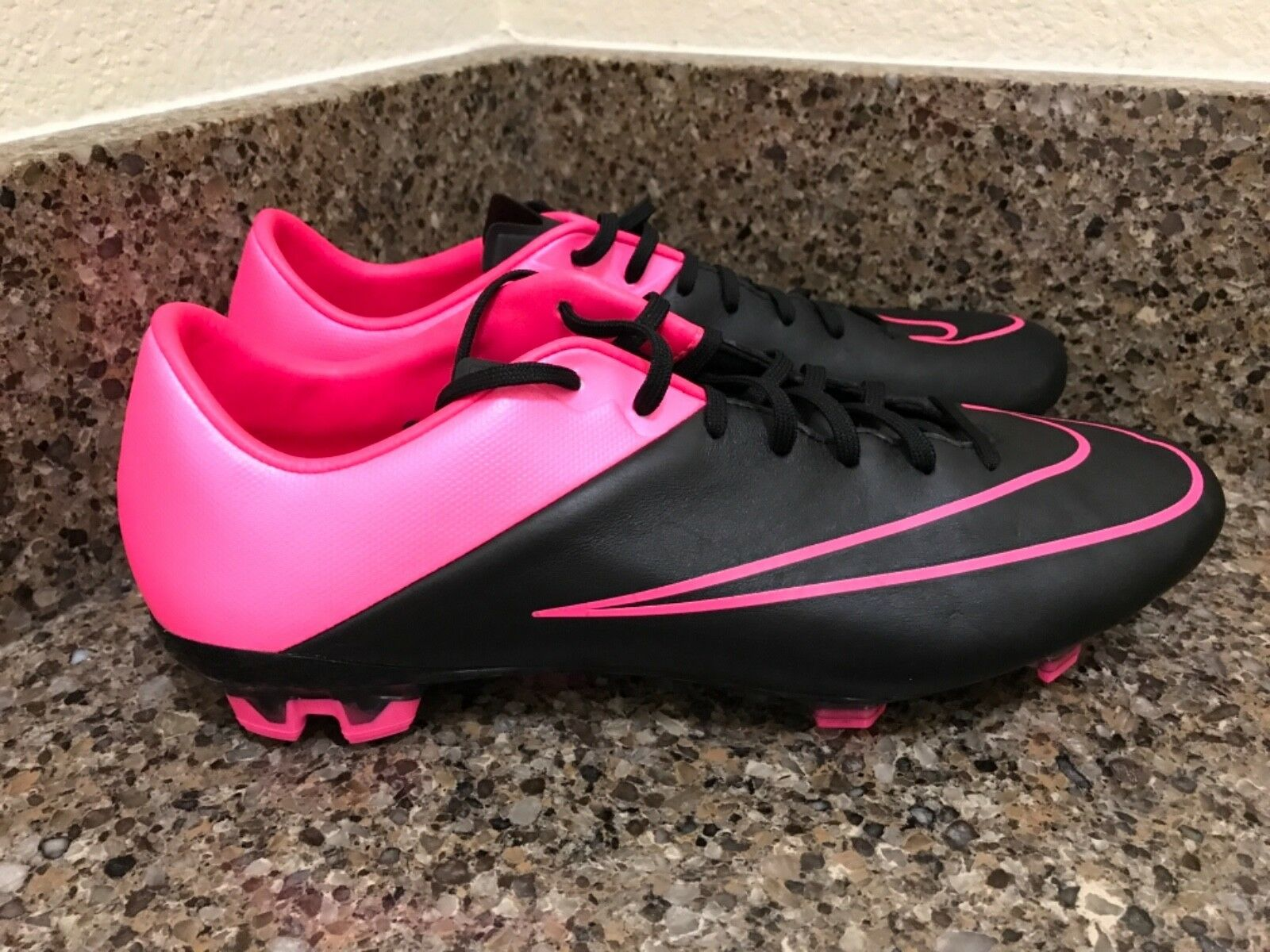 Nike Veloce II FG Men's Soccer Cleats Black/Pink 768808-006 Comfortable