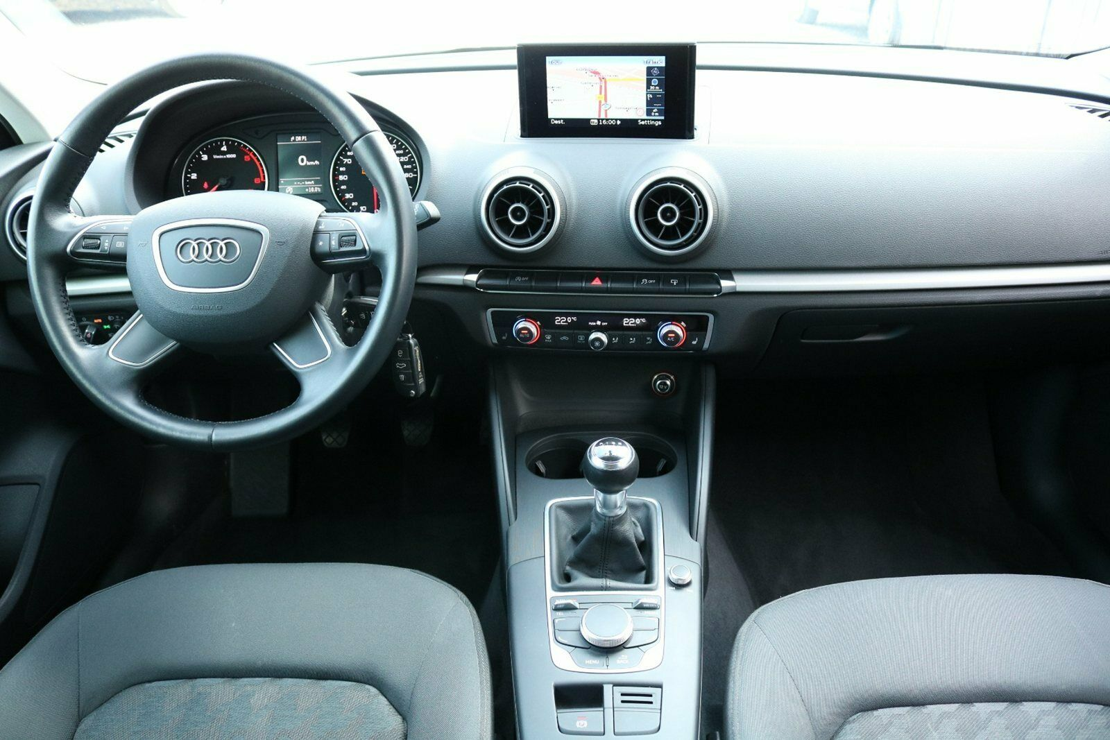 Audi A3 TDi 110 Ultra Attraction SB