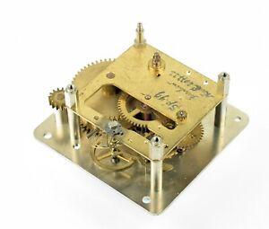 altes-Uhrwerk-Ersatzteil-Tischuhr-Kaminuhr-Wecker-Uhr-Uhrmacher-clock-watchmaker