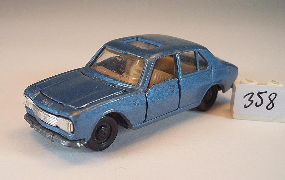 Majorette 1 65 no 239 Peugeot 504 Saloon bluee Metallic No 2