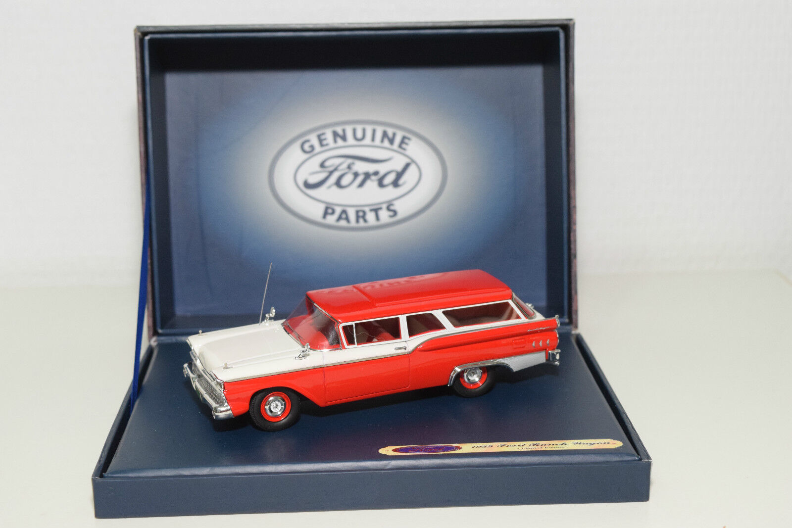 . MOTORHEADS4U 447 GENUINE PARTS FORD RANCH WAGON 1959 rosso bianca  MINTBOXED RARE