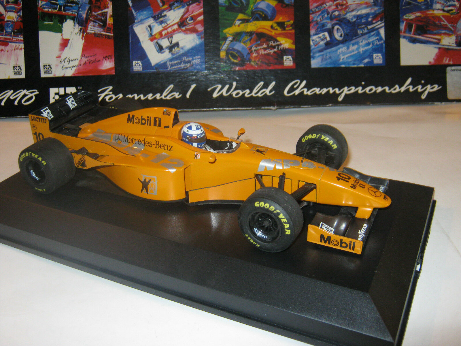 1 18 McLaren Mercedes mp4 12 D. Coulthard Press  Version 1997 in Showcase Top  approvisionnement direct des fabricants