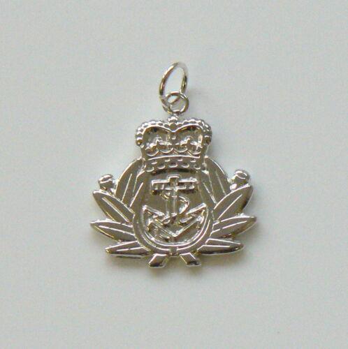 Royal Navy encanto plata esterlina 446
