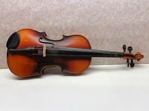 Antonius Stradivarius Cremonensis Faciebat Anno 1713 Violin Case